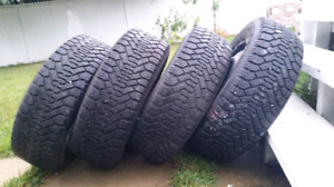 Four 215/60R16 winter tires LIKE NEW