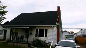 Beautiful house for sale in Renfrew - garage - 4 bedrooms