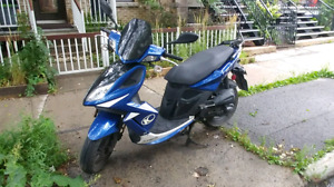 Scooter kymco super 8 2011 1350$