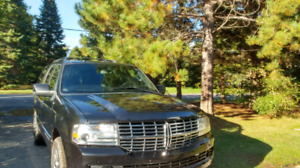 Looking for Luxury? Great road-trip vehicle!!