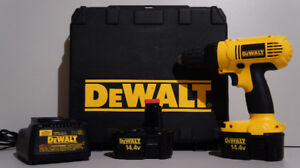 Perceuse 1/2 '' Dewalt 14.4v + chargeur, 2 batteries et case.