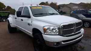 2008 DODGE RAM 3500 LARAMIE 4x4 DUALLY CUMMINS DIESEL LOW KMS!