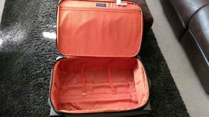 Tommy Hilfiger Type T6 luggage