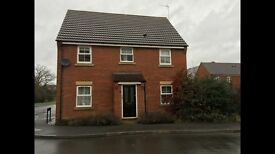 4 bed link detached house to let in taw hill £1250 with garage