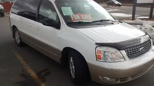 2005 ford freestar LTD WITH ONE OWNER PAMPERED HISTORY