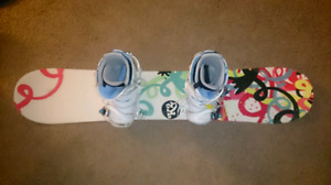 LIKE NEW-K2 Youth Snowboard package