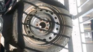4 roues 16po + 3 pneus d'hiver General Altimax Artic 205/60R16