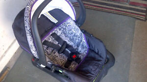 Barely used Saftey Rear facing First Infant Car Seat with base