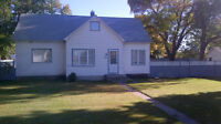 Large Family Home--417 Anderson Ave--Theodore, Sk (Yorkton area)