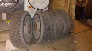 4 jante et pneus f350 derriere pour camion 2 essieu