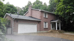 $2200 4Bed,2.5Bath Barrhaven with large lot