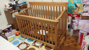 Solid Maple (??) crib - adjustable heights