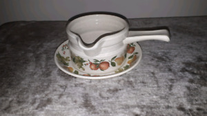 Wedgwood Quince Gravy Boat w/ Under Plate