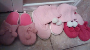 Slippers/3 pairs $5 Size 3-4 youth