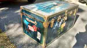 Military steamer trunk Canadian Forces
