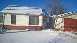 House in Picture Butte for rent