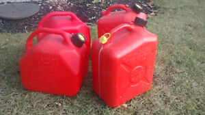 Gas containers (10L / 2gallon) Kitchener / Waterloo Kitchener Area image 1