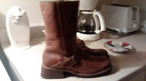 Womens Skechers Motorcycle Leather boots Size 9