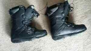 Freedom snowboard boots - Men's Size 9