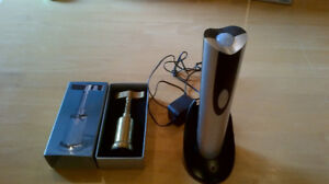 rechargeable electric corkscrew