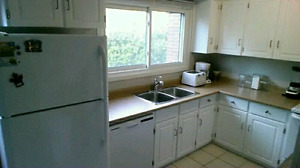 Large Room Available $600 All Inclusive