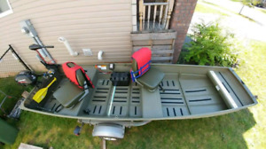12' Jon Boat/trailer/2.5hp Engine/38lb thrust combo