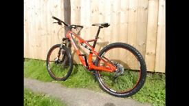 Specialized Stumpjumper Comp - CARBON 2011 - Medium Frame - Immaculate condition £1,100