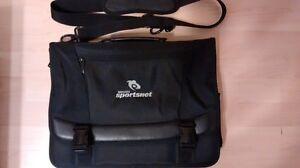Sac pour laptop de 15 pouces Sportsnet comme neuf