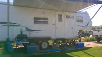 REDUCED 5th wheel with bunks