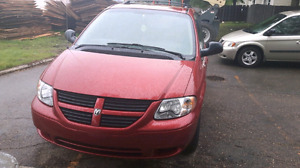 07 grand caravan  remote started ston o go low km only 139km!