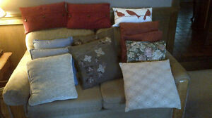 Accent pillows.