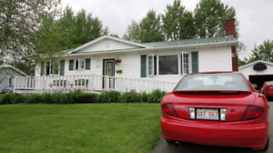 Attractive bungalow with gorgeous view of the st. John river