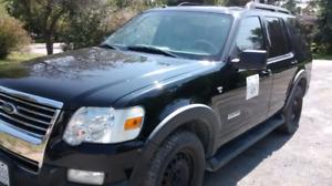 2007 4.6v8 xlt ford Explorer. Awd runs and drives perfect.172k !