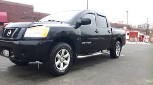 2012 Nissan Titan Pickup Truck