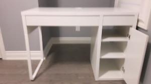Selling brand new omputer desk
