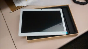 New Android Tablet (in a box) - Ainol Novo10 / 10.1 Inch 16 GB