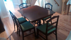 Table and 5 chairs - best offer
