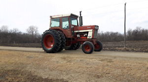1066 IH tractor