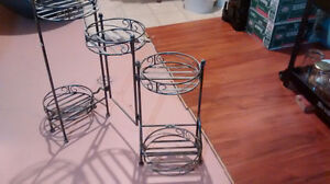 Metal flower pots stand