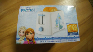 Disney Frozen two slice toaster