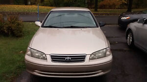 2000 Toyota Camry 4 cylindres Berline