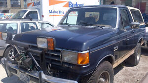 1988 Ford Bronco Eddy Bauer  with Plow