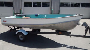 12 foot aluminum LUND boat and tilt trailer