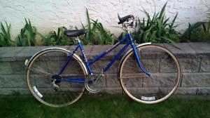 Ladies Vintage Cruiser Bike