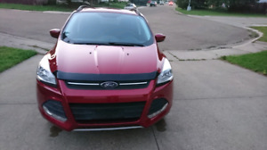 2016 Ford Escape SE AWD with navigation - best offer -