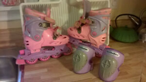 Childs Barbie Roller Blades and Knee Pads
