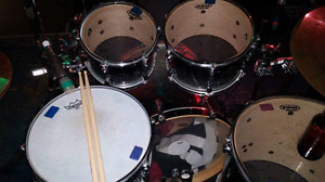 5 piece Mapex meridian with road cases