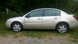 2005 Saturn Ion w/ 2 sets tires
