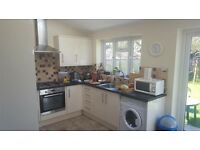 LOVELY SINGLE ROOM TO RENT IN EDGWARE