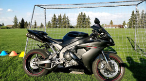 2006 Yamaha R1 ***$6000**** firm New tires power commander